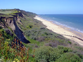 the cliffs between Cromer and Overstrand