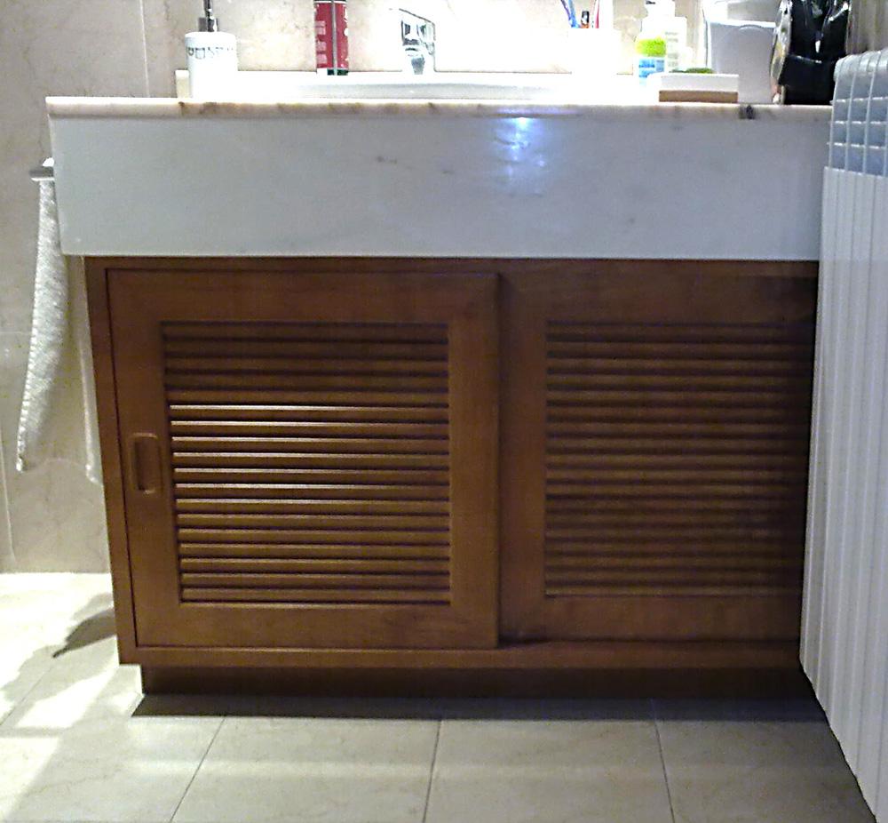 Armario lavabo en madera de cerezo muebles cansado for Armarios para lavabos