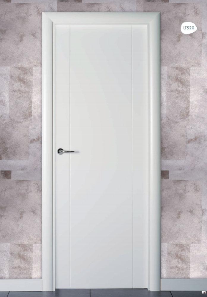 Puerta de interior lacada en blanco lt520 visel for Puertas de interior baratas