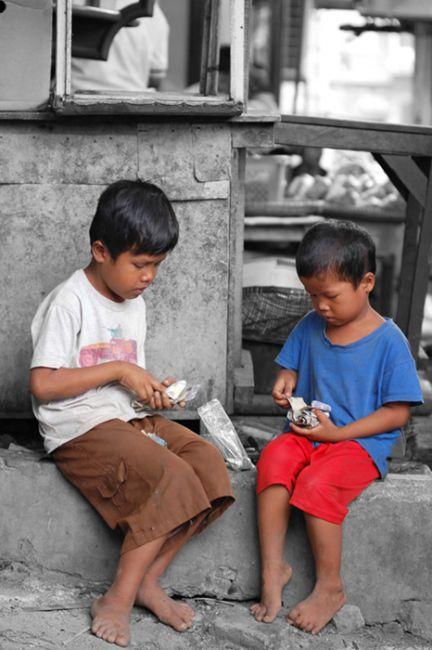 Antara Kerja dan Sekolah Anak Jalanan