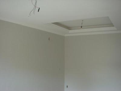 Frigorifico com gelo nas paredes
