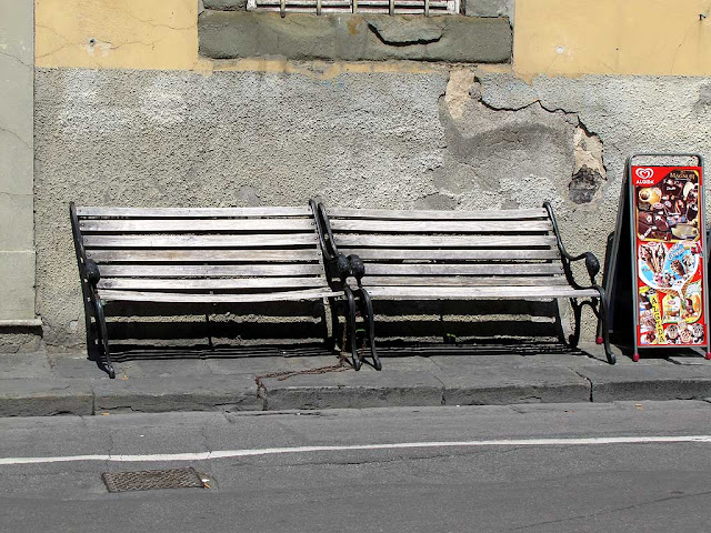 Leaning benches of Pisa