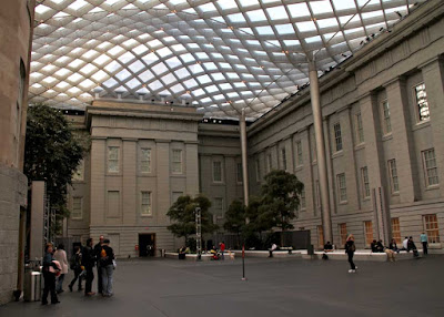 Robert and Arlene Kogod Courtyard by Norman Foster