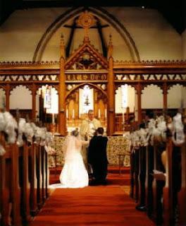 http://1.bp.blogspot.com/_OaDd-6y9cGs/SoaKILEMIMI/AAAAAAAAAQg/46dwv37EyMc/s320/wedding01.jpg