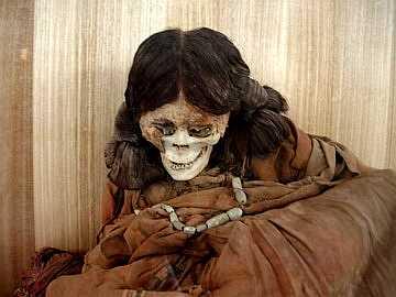 Najveće pustinje na svetu  Mumija+devojcice+stara+1200+g.+02