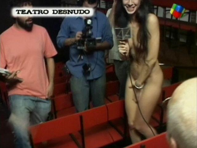 público desnudo entrevista