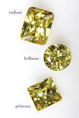 Diversas tallas de diamantes listos para venta en joyerías