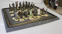 Tablero y piezas de ajedrez de la colección El Señor de los Anillos