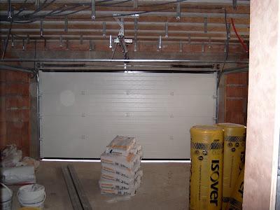 Notre maison bernard lannoy apr s l 39 lectricit les placo - Porte garage 3 metres ...