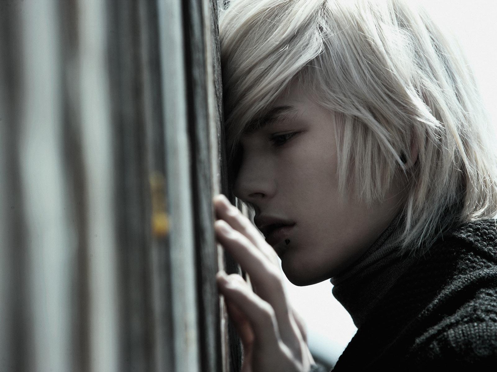 Фото красивых парней блондинов в жизни эмо 19 фотография