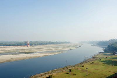 The once majestic Yamuna river next to the Taj Mahal