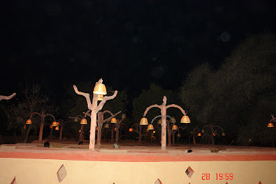Chokhi Dhaani in Jaipur - Heads seen inside the Bhool Bhulaiya exhibit
