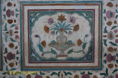 Carvings in the shape of a flower on the wall of the Amer Fort in Jaipur
