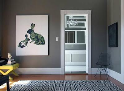 Interiores en todos los tonos de gris for Tonos de grises para pintar paredes