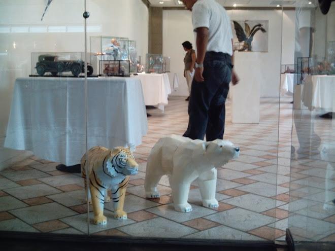 Urso Polar e Tigre (filhotes)
