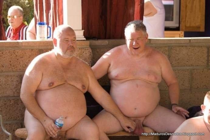 Abuelo gay folla gay
