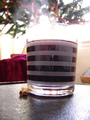 Bon Appétit!: Vin chaud (hot mulled wine)