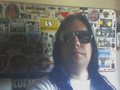 2009 com Ray-Ban espelhado