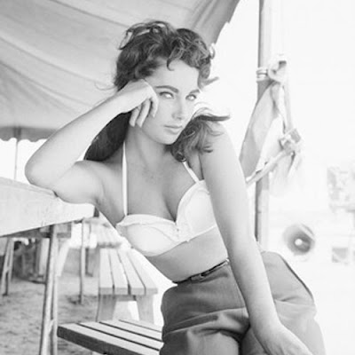 Elizabeth-Taylor-rushed-to-.jpg