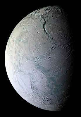 Enceladus - Lua de Saturno