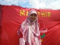 http://1.bp.blogspot.com/_OjNqdu7z9y8/TTOgvbD-jII/AAAAAAAAEUo/QrhnP6dMKzE/s1600/Normala+Sudirman+%2526+Mahathir.jpg
