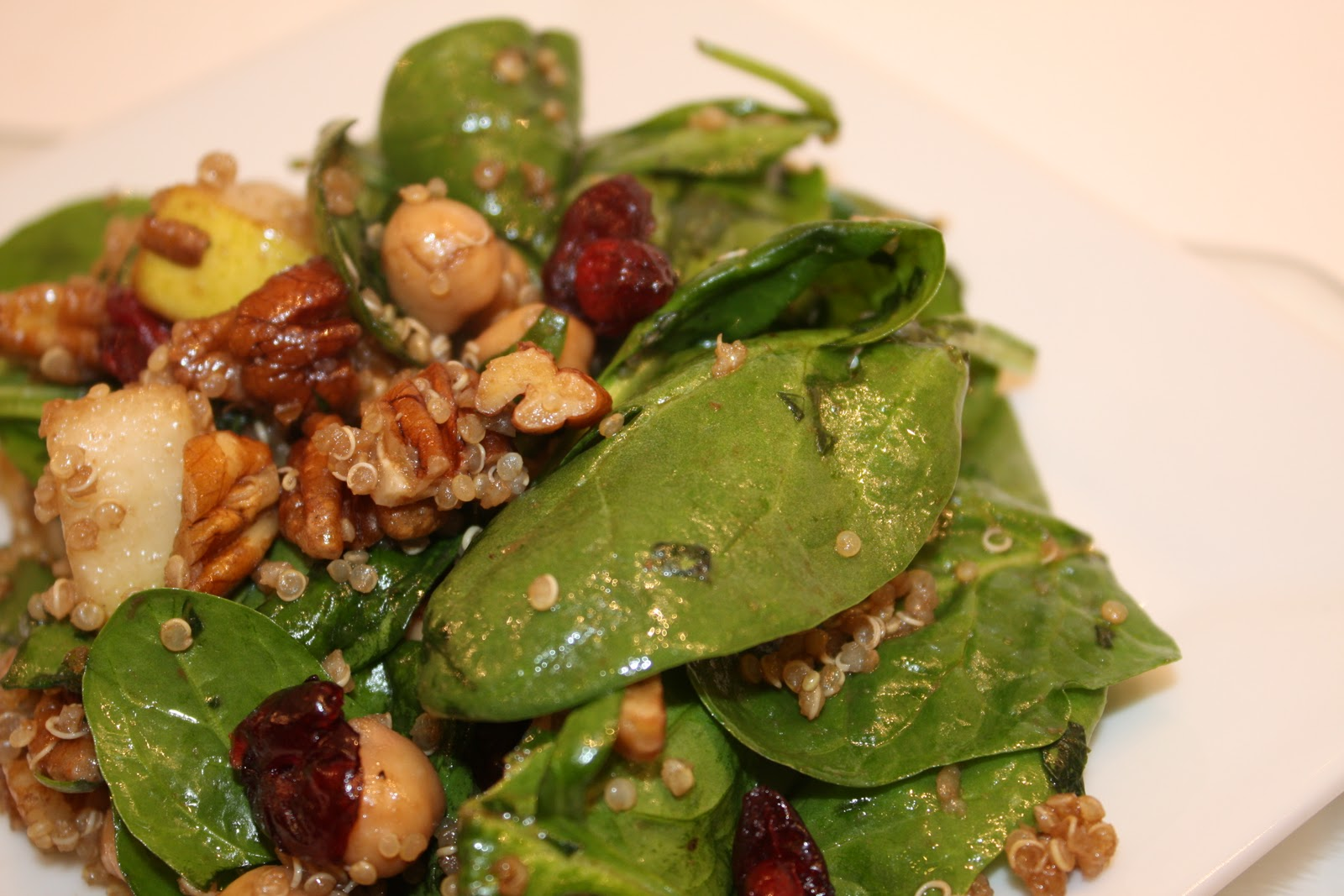 ... Crumbles...: Spinach + Quinoa Salad with Pears, Chickpeas and Pecans