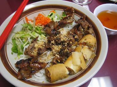 Pho Avina - Rice vermicelli w/ salad w/ grilled pork and eggroll