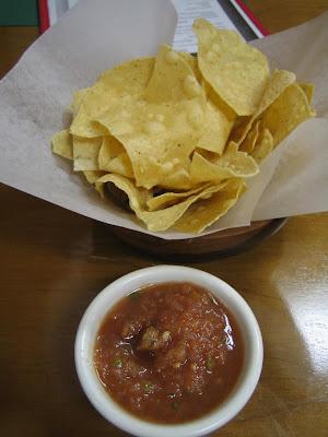 Mi Cocina, Mi Pais - chips & salsa