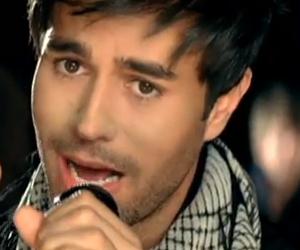 Enrique Iglesias y Juan Luis Guerra - Cuando Me Enamoro - Video y Letra - Lyrics