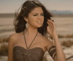 Selena Gomez - A Year Without Rain - Video y Letra - Lyrics