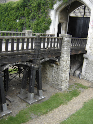 the historical significance of the tower of london Tower of london from the queen's walk on the south bank  assess historical significance of views 'systematically and consistently',.