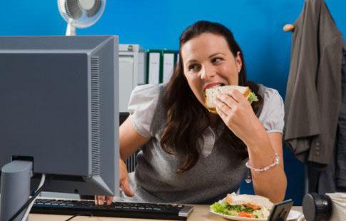 salud y bienestar on line la man a de comer frente a la