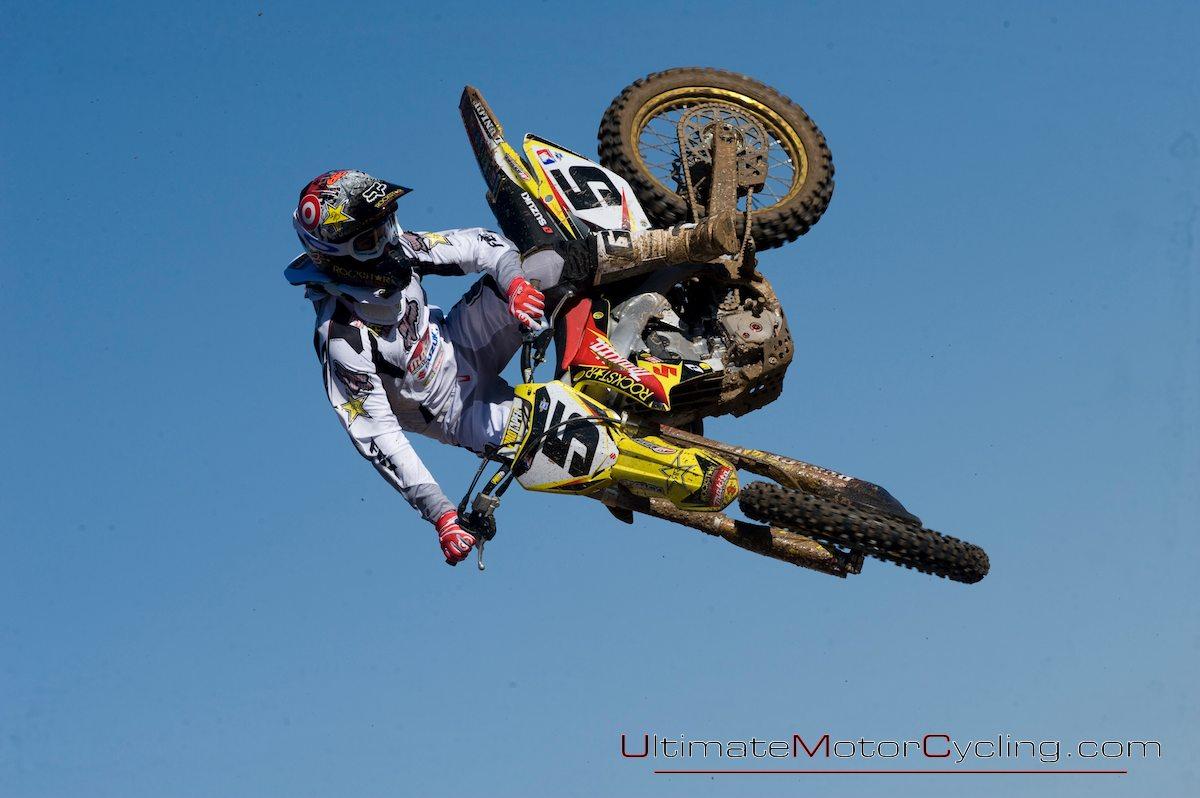 http://1.bp.blogspot.com/_OnwwOUzrWWI/TC-3_kWZnOI/AAAAAAAAAFA/Q-4hlGDdWGg/s1600/2010_Ryan_Dungey_Motocross_Wallpaper+2.jpg