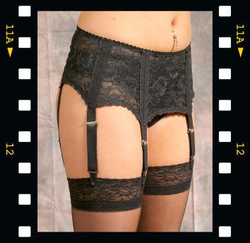 http://1.bp.blogspot.com/_OoZzDlFiEVE/SAk06zBSNJI/AAAAAAAAAFA/FSGYDDuwjqA/s400/6+strap+suspenders.jpg