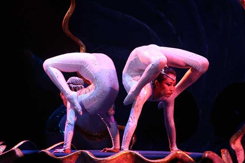 Секс голая гимнастка видео 85