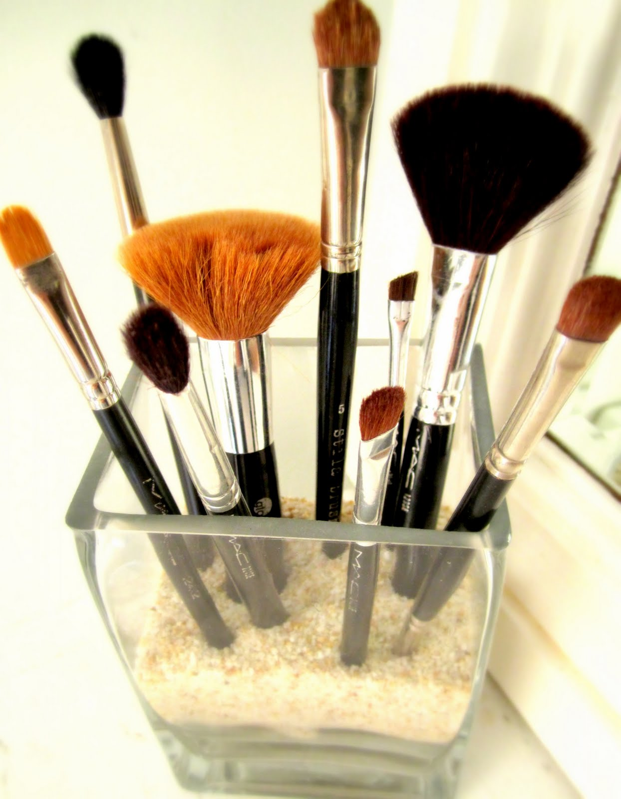 deliciously organized: Storing Various Sizes of Makeup Brushes