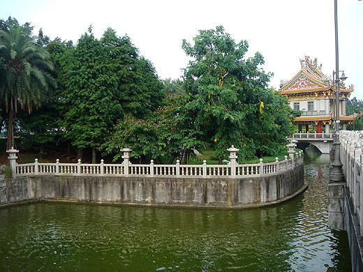 chulinshan kuanyin temple in linkou
