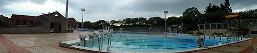 outdoor swimming pool in linkou