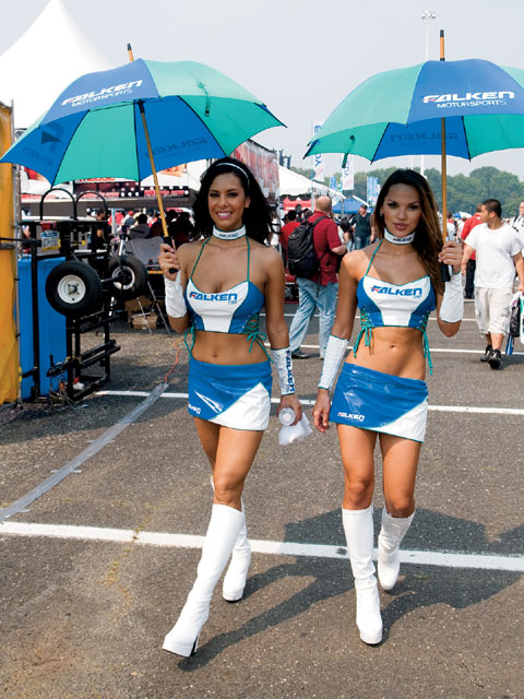 Hot Umbrella Girls