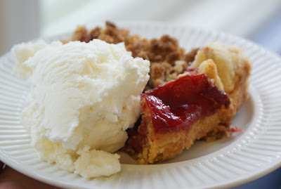 Rhubarb+Pie+slice Strawberry Rhubarb Pie with Sour Cream Ice Cream