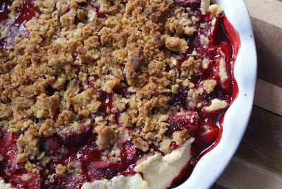 Rhubarb+pie+ +close+up Strawberry Rhubarb Pie with Sour Cream Ice Cream