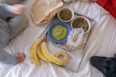 Picnic+on+the+bed Lemony Parsley Hummus (Picnic on the Bed)