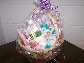 Ecole senator riley quebec trip silent auction avon gift basket avon gift basket negle Images