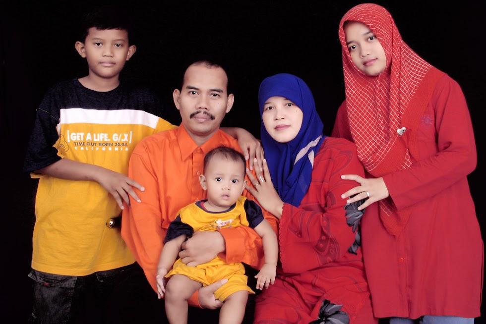 keluarga Yusron