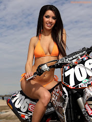 Mercedes GirlsOfMX 04a