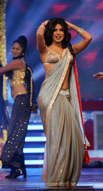 Priyanka & Rani Dancing in Entertainment Award