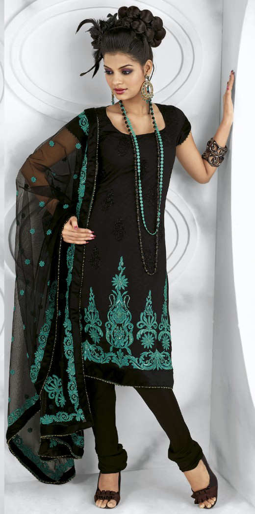 Long+Kameez+With+Trouser+For+2011 New Fashion Trend