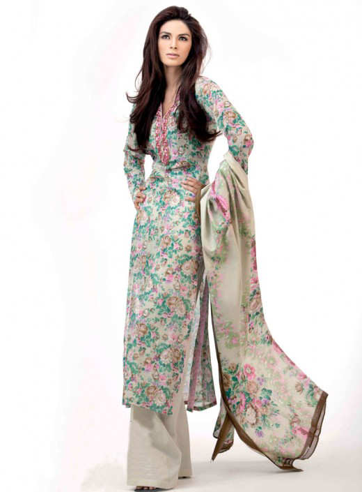 Long+Kameez+With+Trouser+For+2011+%25282%2529 New Fashion Trend