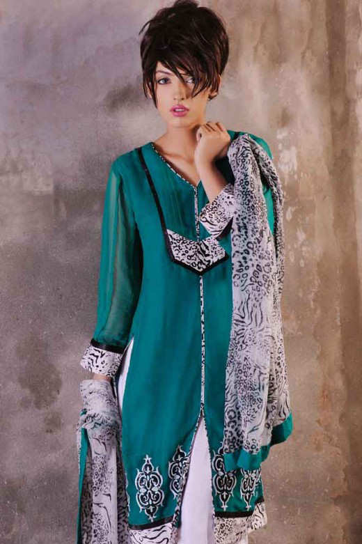 Long+Kameez+With+Trouser+For+2011+%25284%2529 New Fashion Trend
