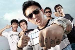 Download Lagu Dari Mata Sang Garuda - Pee Wee Gaskin